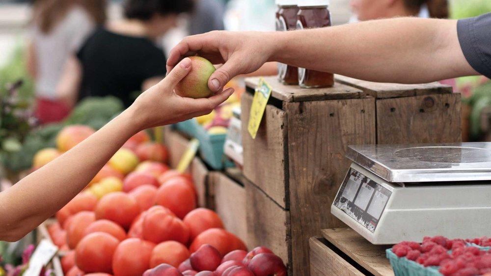 Local-Co-Op-Pays-Minimum-Wage-Despite-Charging-$10-Per-Apple.jpg