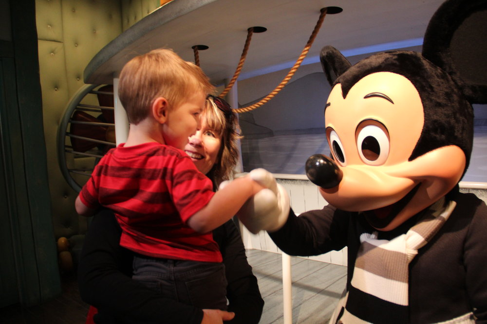 Have a great first trip to Disneyland with these tips