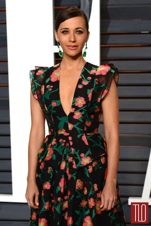 Rashida-Jones-Vanity-Fair-Oscar-Party-2015-Red-Carpet-Fashion-Andrew-Gn-Tom-Lorenzo-Site-TLO-1.jpg