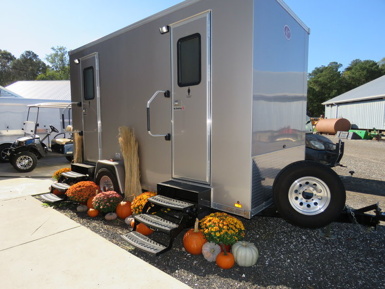 Country-Charm-Restroom-Trailer.jpg