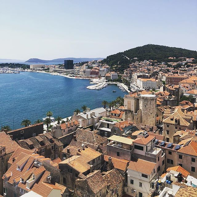 "Reposting 📷 @liamkearns26:⠀ ...⠀ ""A sea of red 🏠🌊"" ... Bored of working in the same city everyday? #hatethecommute ... Why not live and work in Split, Croatia instead?!? 😏🛫 ... Apply now! Link in bio. ... #remotework #entrepreneur  #workfromhome #splitcroatia #locationindependent #workandtravel #welovetotravel #world #instatravel #passportready #wheretonext #photography"