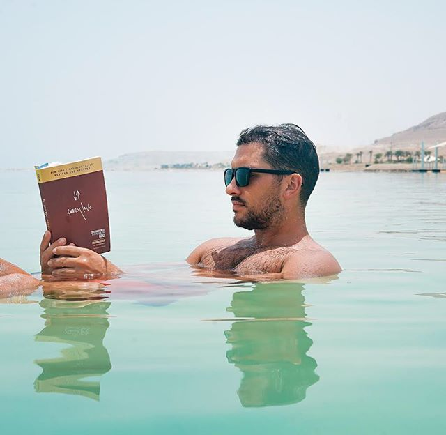 Come float with us this February. 😯 . . Did you know: The Dead Sea's unusually high salt concentration means that people can easily float in the Dead Sea due to natural buoyancy. 🌊 🤔 . . #deadsea #travel #learn #israel #culture #workandtravel #locationindependent #telavivbeach #entrepreneur #freelancer #cool #instatravel #workfromhome