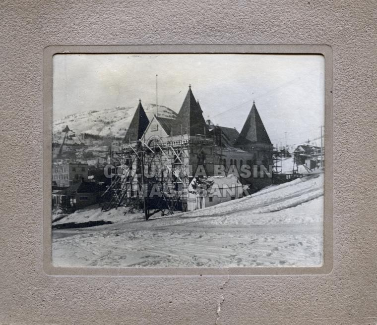 2276.0015 Rossland Court House under construction c.1900