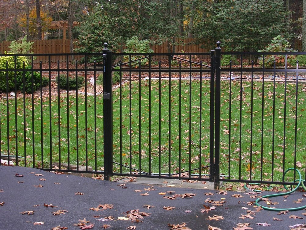 Past Project # 102 -Refurbished fence & gate.JPG