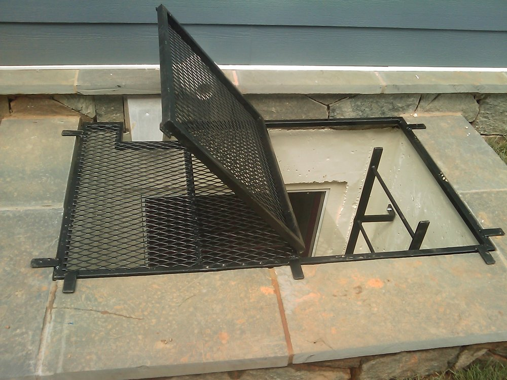 Past Project # 128 - Grate & ladder.JPG
