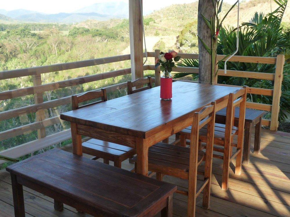 la-table-du-banian-vue-noumea-nouvelle-caledonie.nc.jpg
