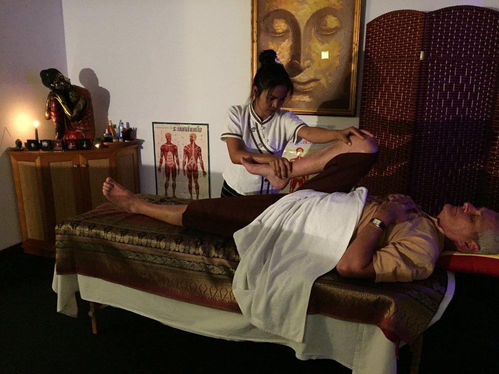 massages-du-monde-salon-manipulation-corps-homme-noumea-nouvelle-caledonie.nc.jpg