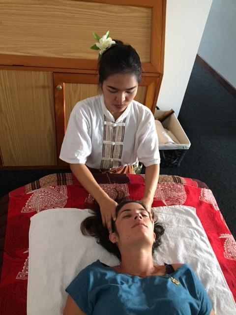 massages-du-monde-salon-manipulation-visage-femme-noumea-nouvelle-caledonie.nc.jpg