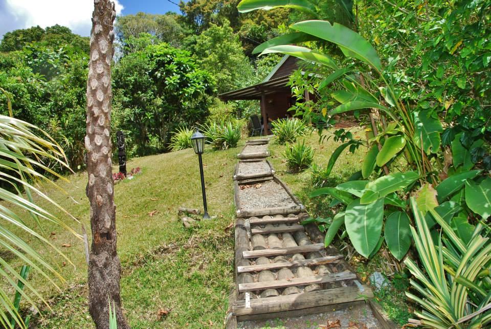 refuge-de-farino-bungalow-jardin-noumea-nouvelle-caledonie.nc.jpg