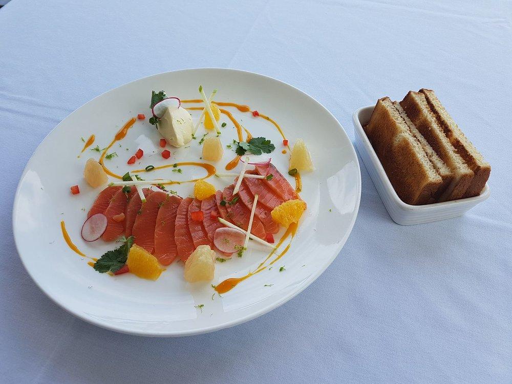 bintz-restaurant-saumon-noumea-nouvelle-caledonie.nc.jpg