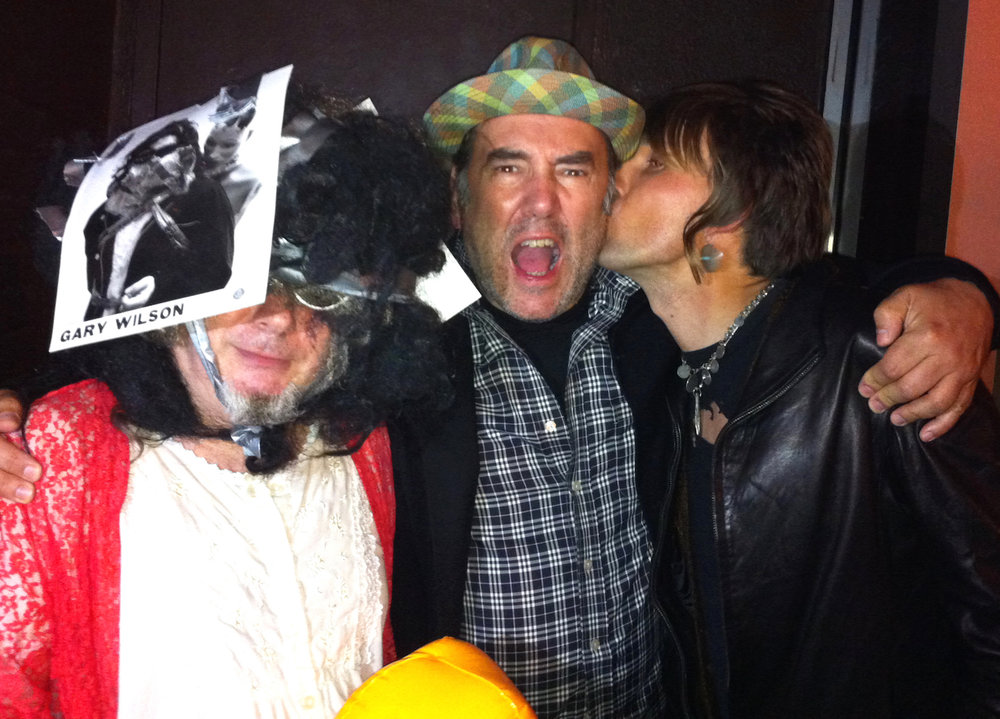 Gary Travis kiss RD_crop_sm.jpg