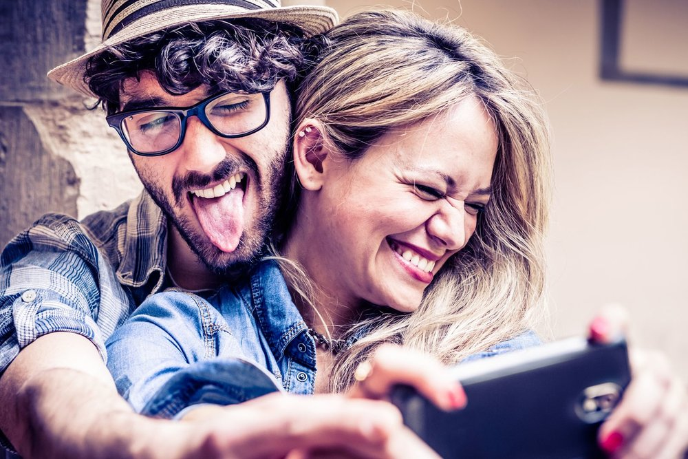 happy-couple-selfie-GQ-23Jan18_istock_b.jpg