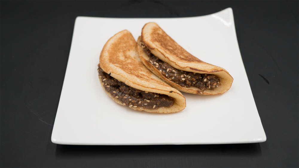 SWEET CHENGDUPANCAKE 蛋烘糕 - Filled with brown sugar & sesame (vegetarian)