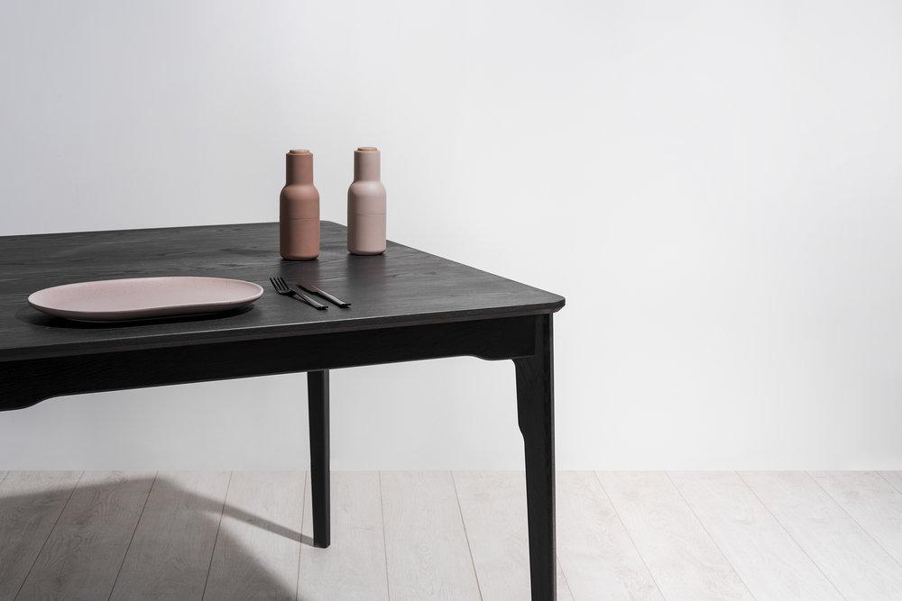 Klip Dining Table w/ Timber Top