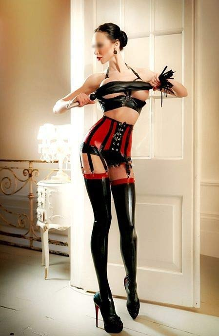 london-anal-strap-on-sessions-with-best-Russian-domme.jpg