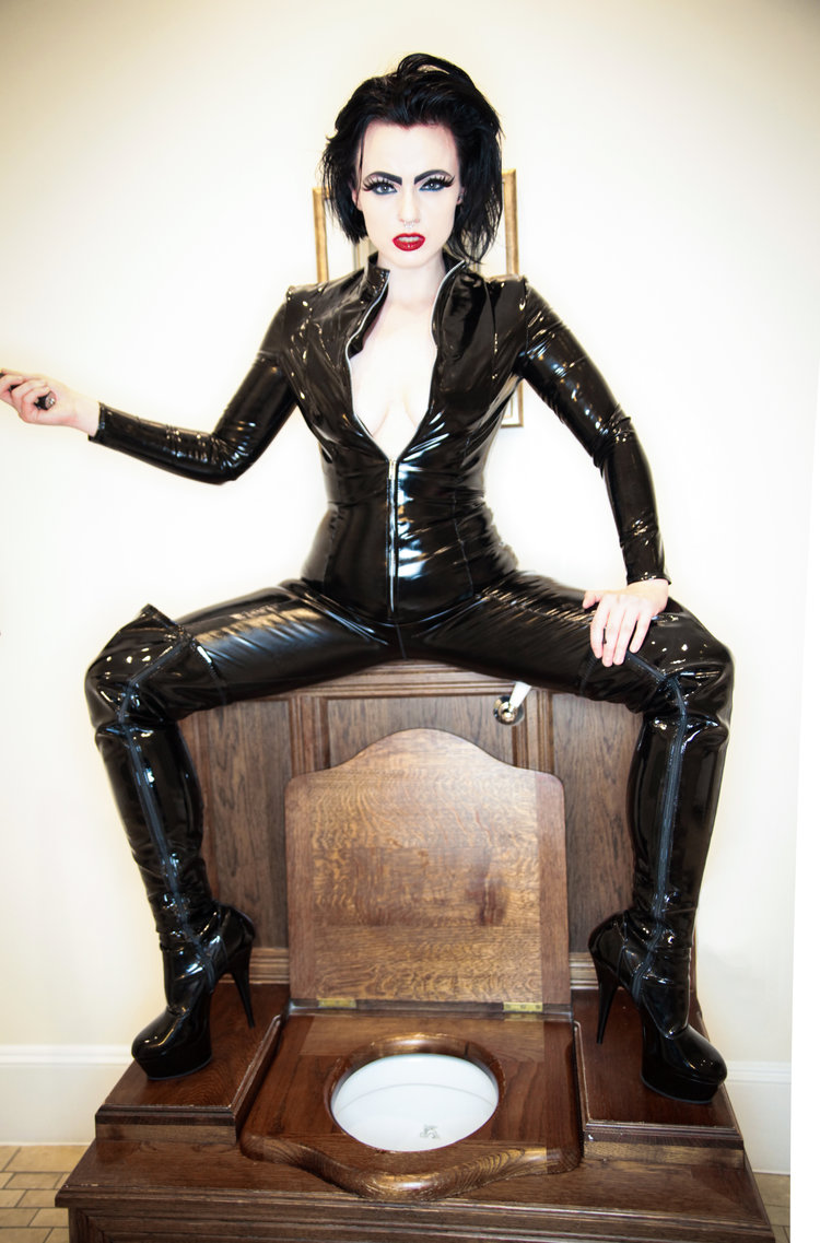 needle-fetish-play-with-strict-london-bdsm-mistress.jpg