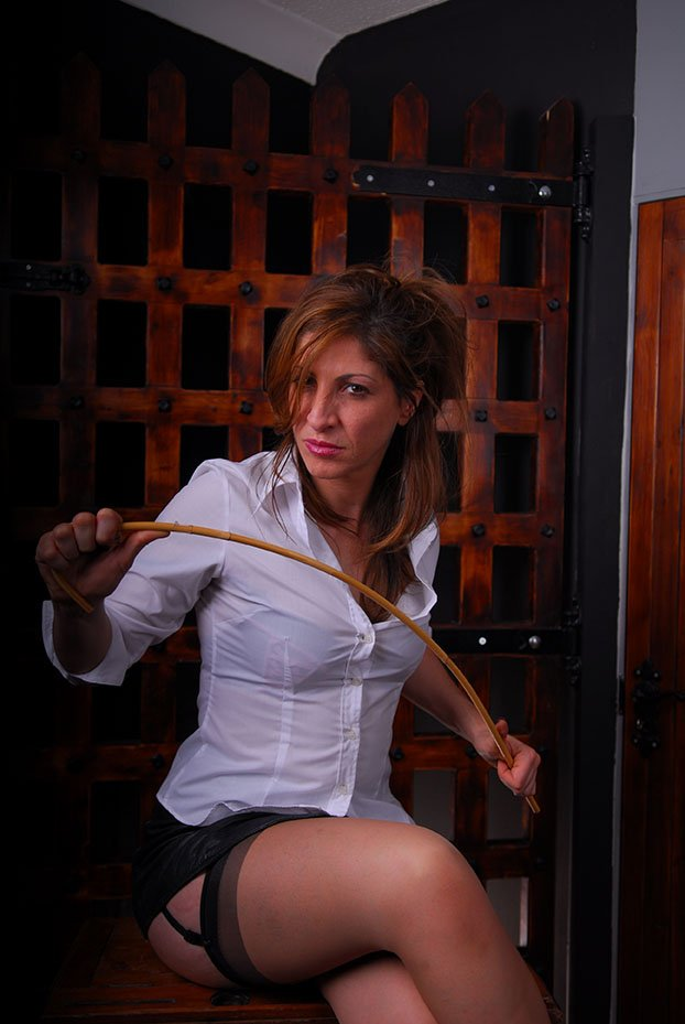 best-femdom-mistress-london-domiantion.jpg