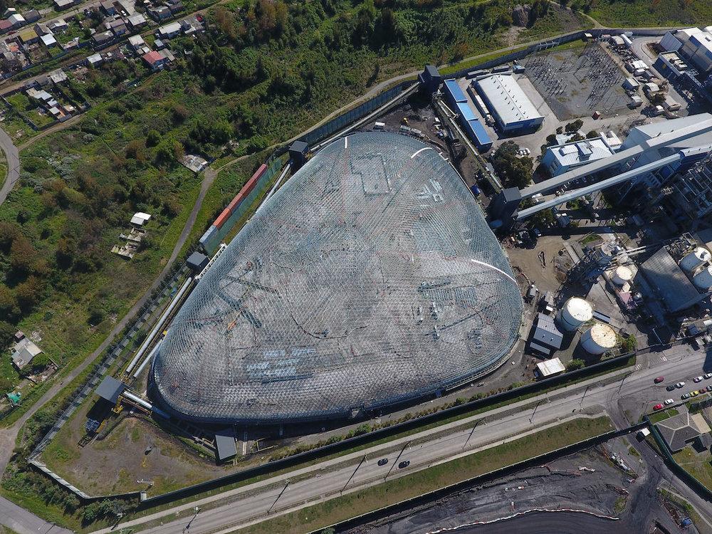 La planta de energía Bocamina, de Endesa, en la línea costera de Coronel, Chile.