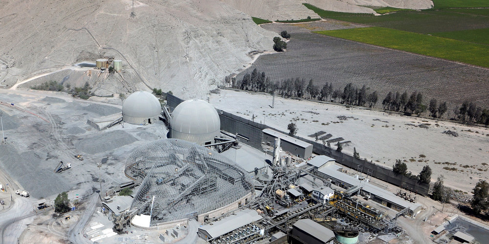 At Plantas Cerrillos in Chile, two circular domes of 30m and 40m were required to store bulk, and a 90m heart-shaped Freedome® contains a highly irregular stockpile and existing machinery. Conventional building systems simply cannot accommodate this kind of need.