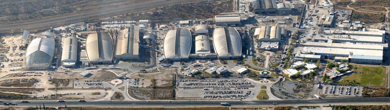 La Planta Industrial Nemak en México tiene cuatro Freedomes gigantes de 224m: todo un récord. Estos domos almacenan manufactura de partes automotrices. Todos son idénticos en forma y están construidos consecutivamente.