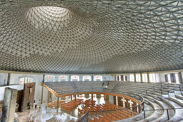 San Juan Church: a heavenly skylight in Monterrey, Mexico