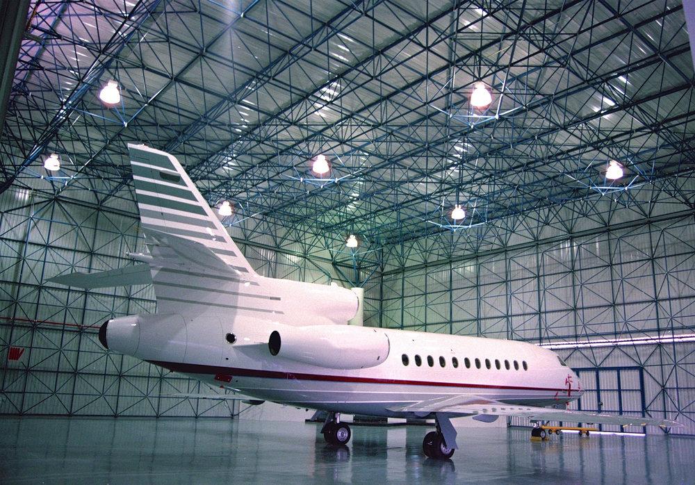 Hangar Corporativo - Armadura de 60m de claro libre.