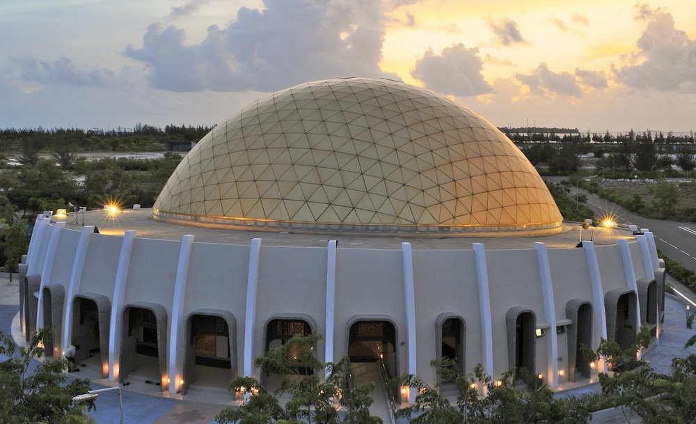 The Hulhumale Mosque in the Maldives is recognized as one of the most beautiful places of worship in South Asia.