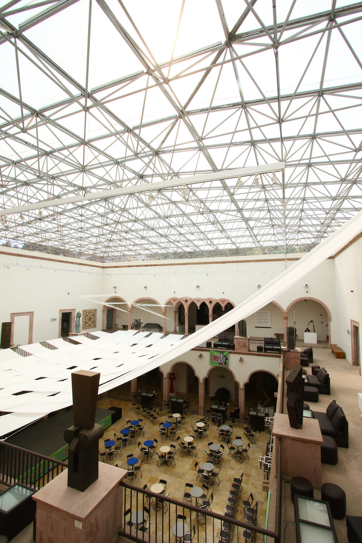 Interior del Museo de Arte Abstracto.