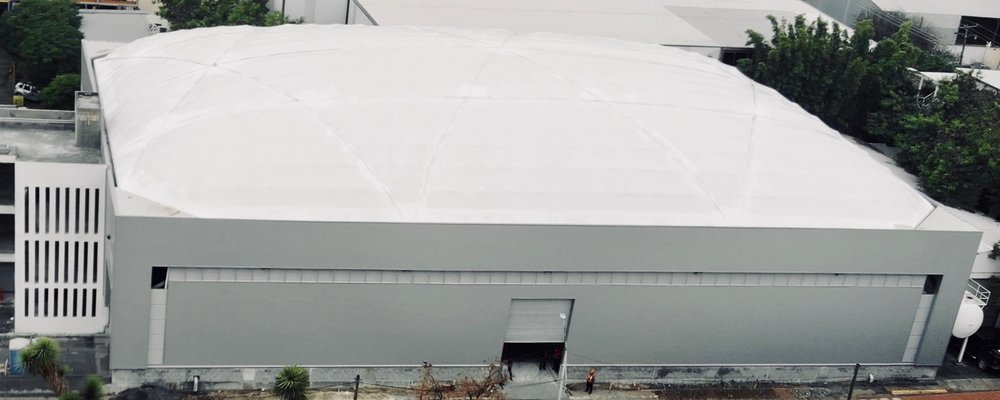 La planta de manufactura Geométrica con 50m  de extensión en el mayor de sus ejes.