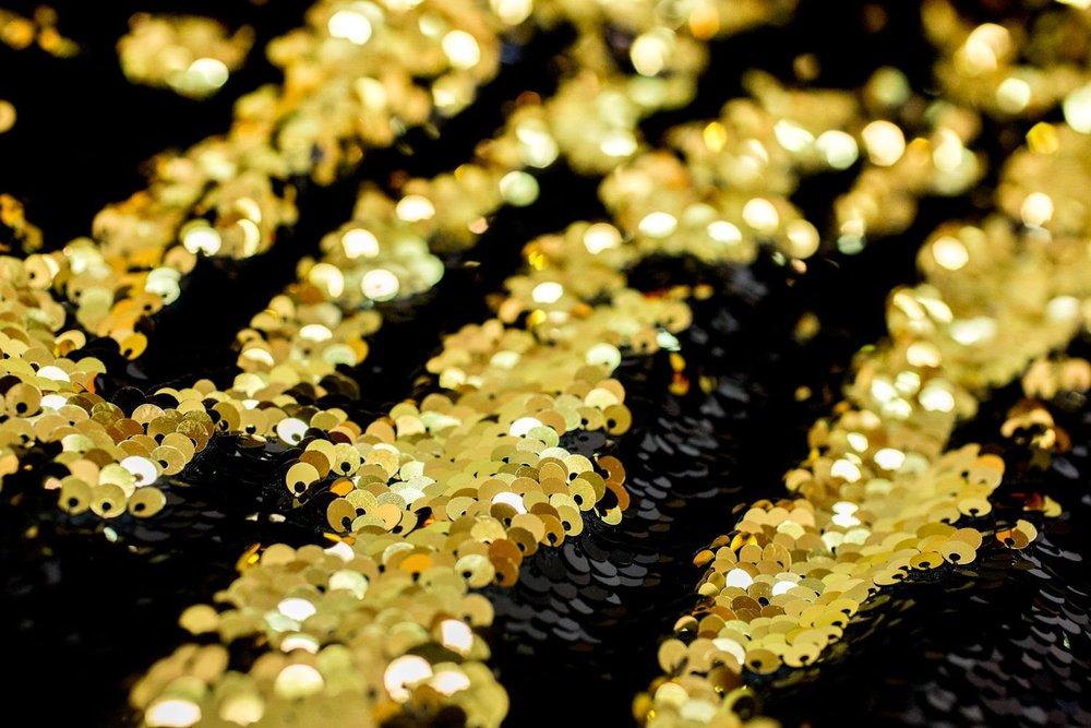 BLACK/GOLD -