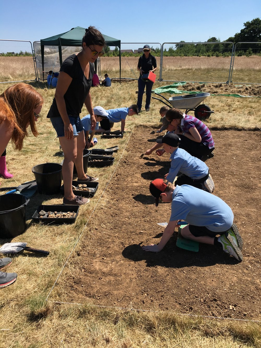 Between the Barrows 2018:  Excavation led by archaeologists from Southampton University for our partner schools