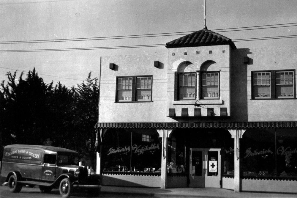 storefront_1932.jpg