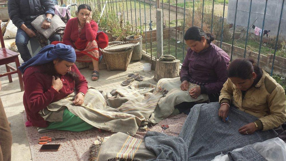 Weaving women3.jpg