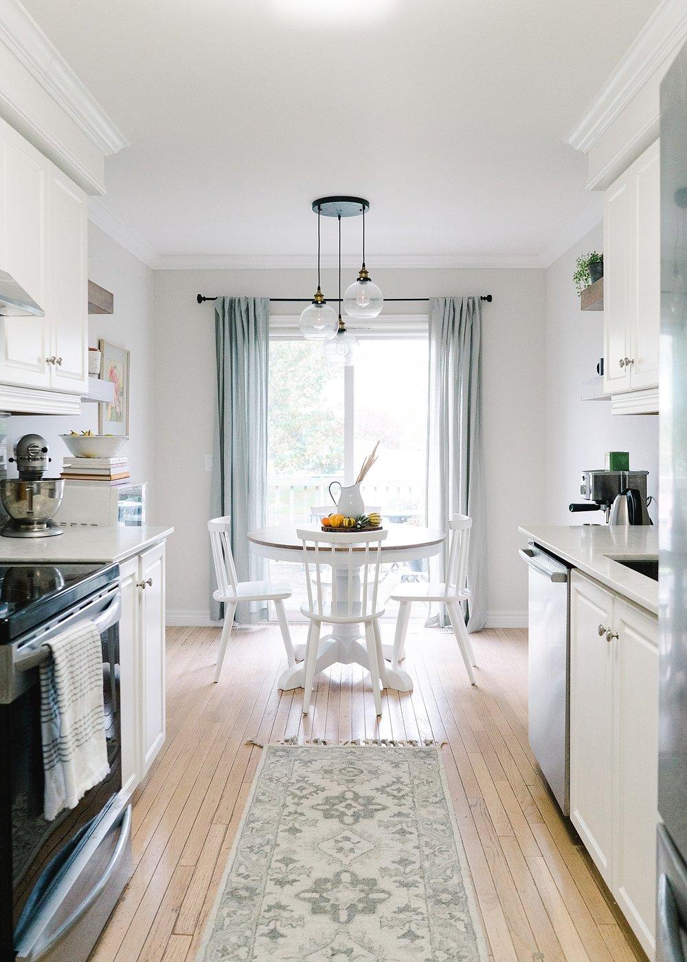 modern-farmhouse-coastal-kitchen_0002.jpg