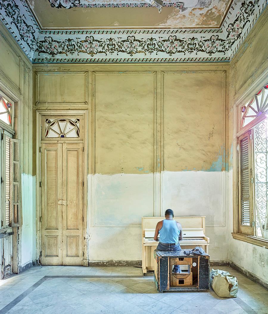Piano player, Havanna, Cuba, 2014