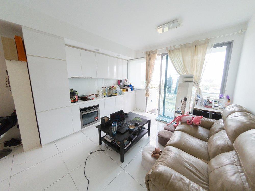 Riviera 38 - Living Room
