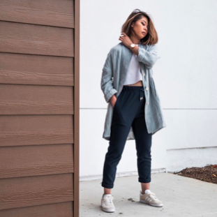 MUNRO HAMILTON - Minimalist Fashion Bloggers You Should Be Following Right Now