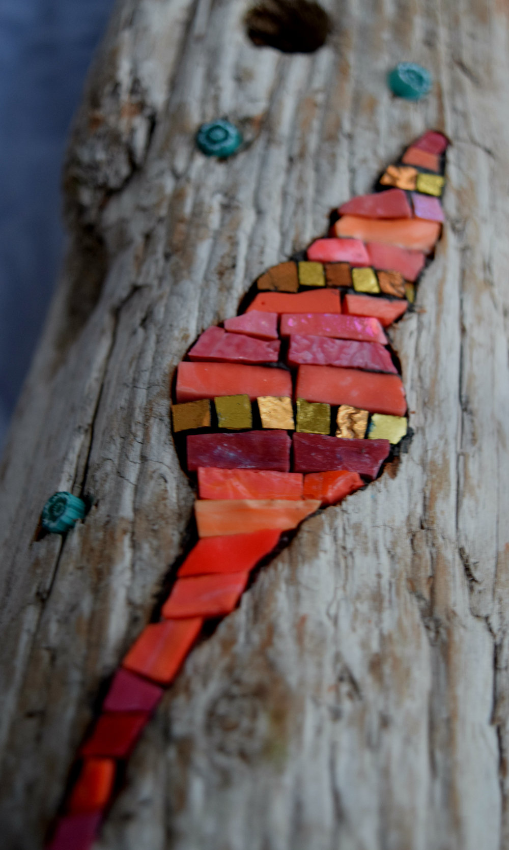 Shell in driftwood (Smalti, Gold Smalti, Milelfiori)