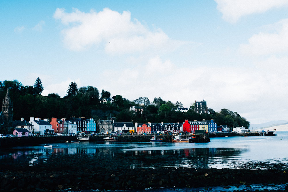 Tobermory, probably the cutest town in Scotland Highlands. Look at these colors.
