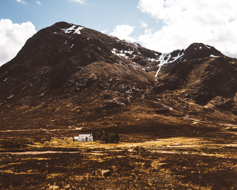 Lagangarbh Hut , also known as the  Glencoe Photography House