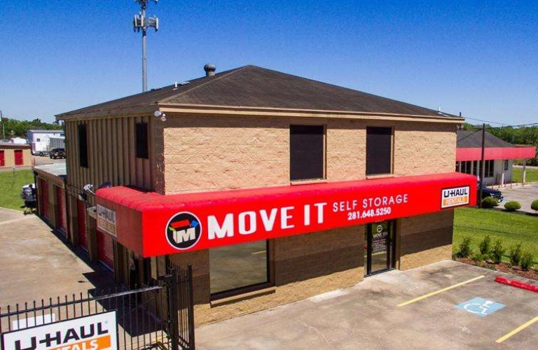 xthumb-127-Move-It-Self-Storage---Pearland_Friendswood-1.jpg.pagespeed.ic.Yp2ctv_qvl.jpg