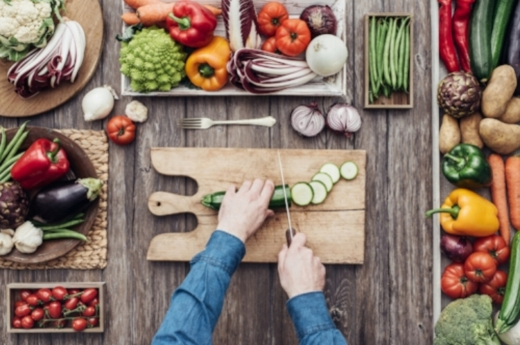 cutting veggies 2.jpeg