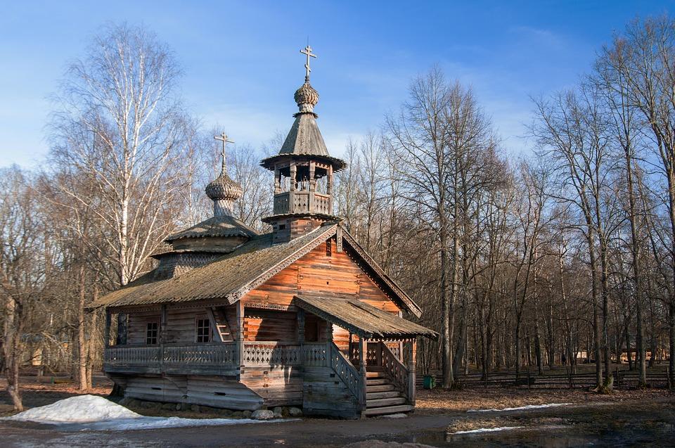 Russian_church_wood.jpg