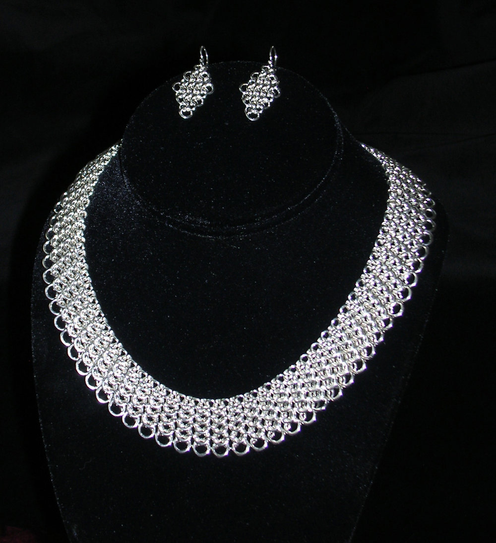 European 4 in 1 collar and earrings