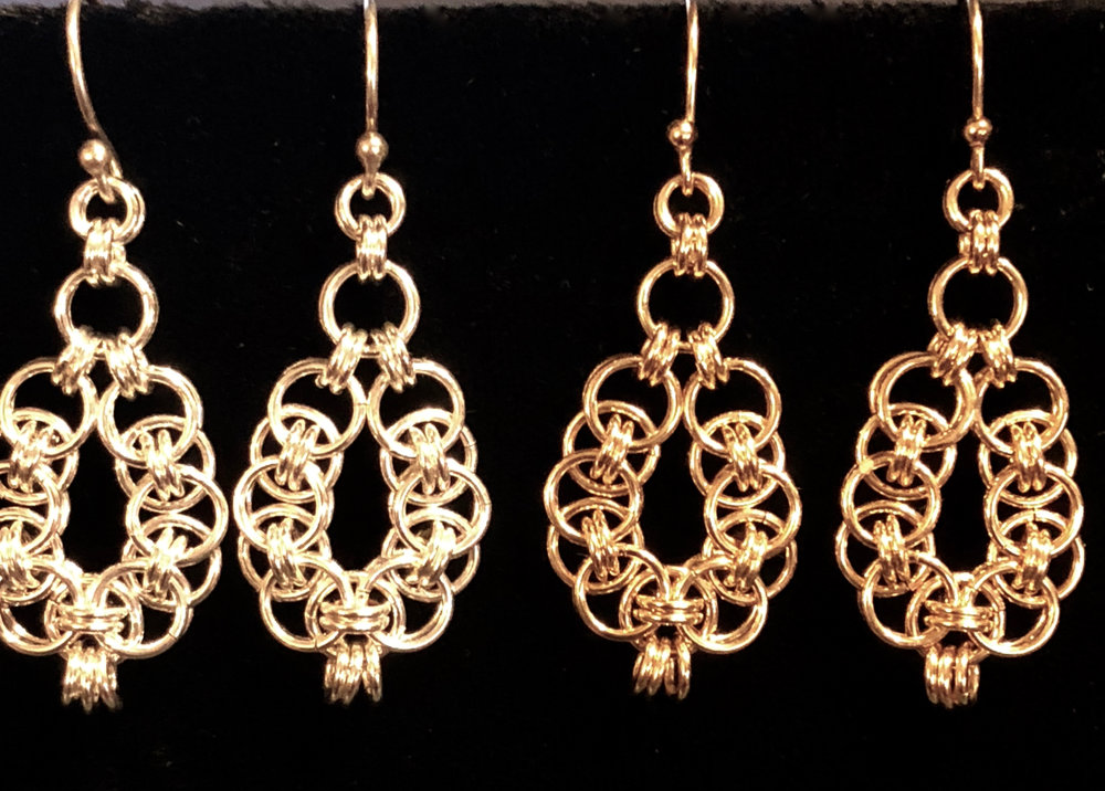 Oval Helm Chain Earrings