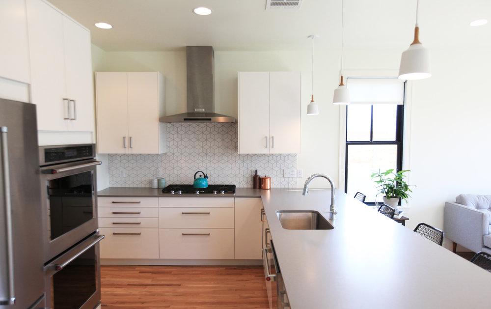 2106_living_kitchen_05.jpg