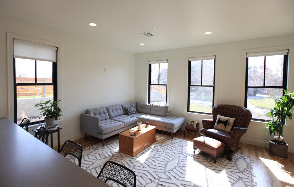 2106_livingroom_06.jpg