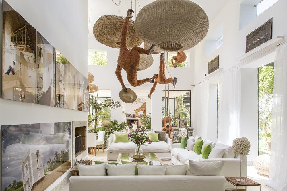 DES_Press Kit_03_Living room in day light.jpg