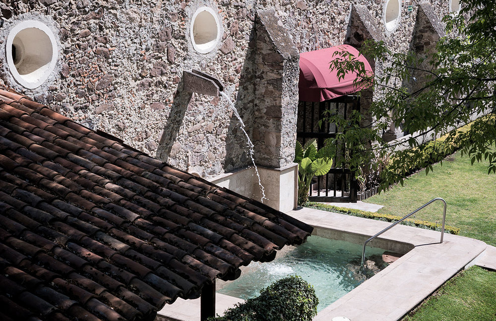 Jacuzzi - if you´re thinking of relaxing in a jacuzzi surrounded with beautiful gardens, this is going to be your favourite place.
