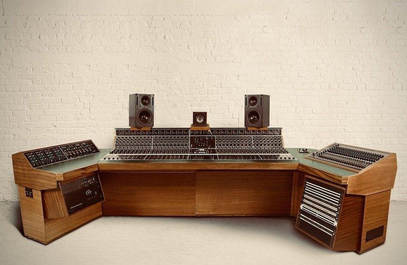 Recording-console.jpg